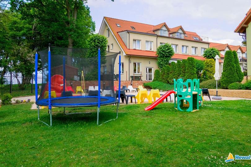 Rewal noclegi plac dla dzieci