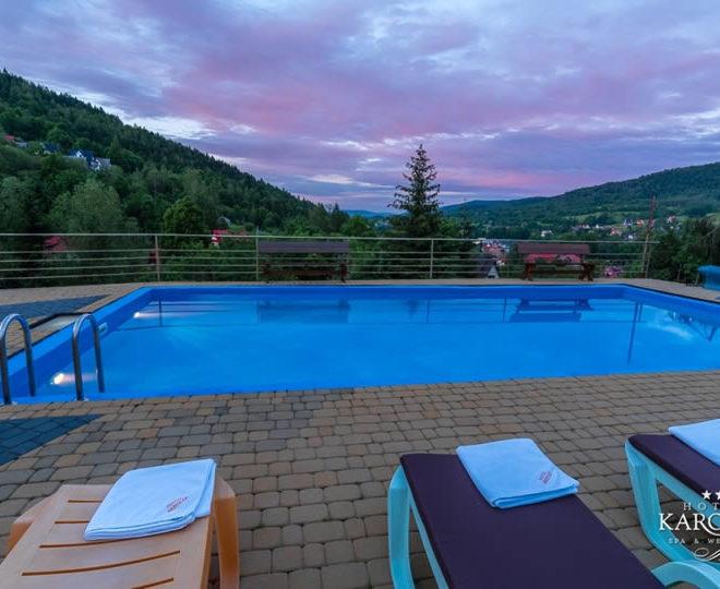 hotel karolek zawoja baseny