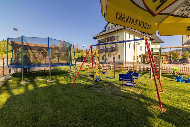 wolne pokoje plac zabaw dla dzieci